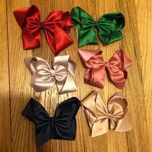 NEW Set of 6: Large Cheerleading Clip On Hair Bows